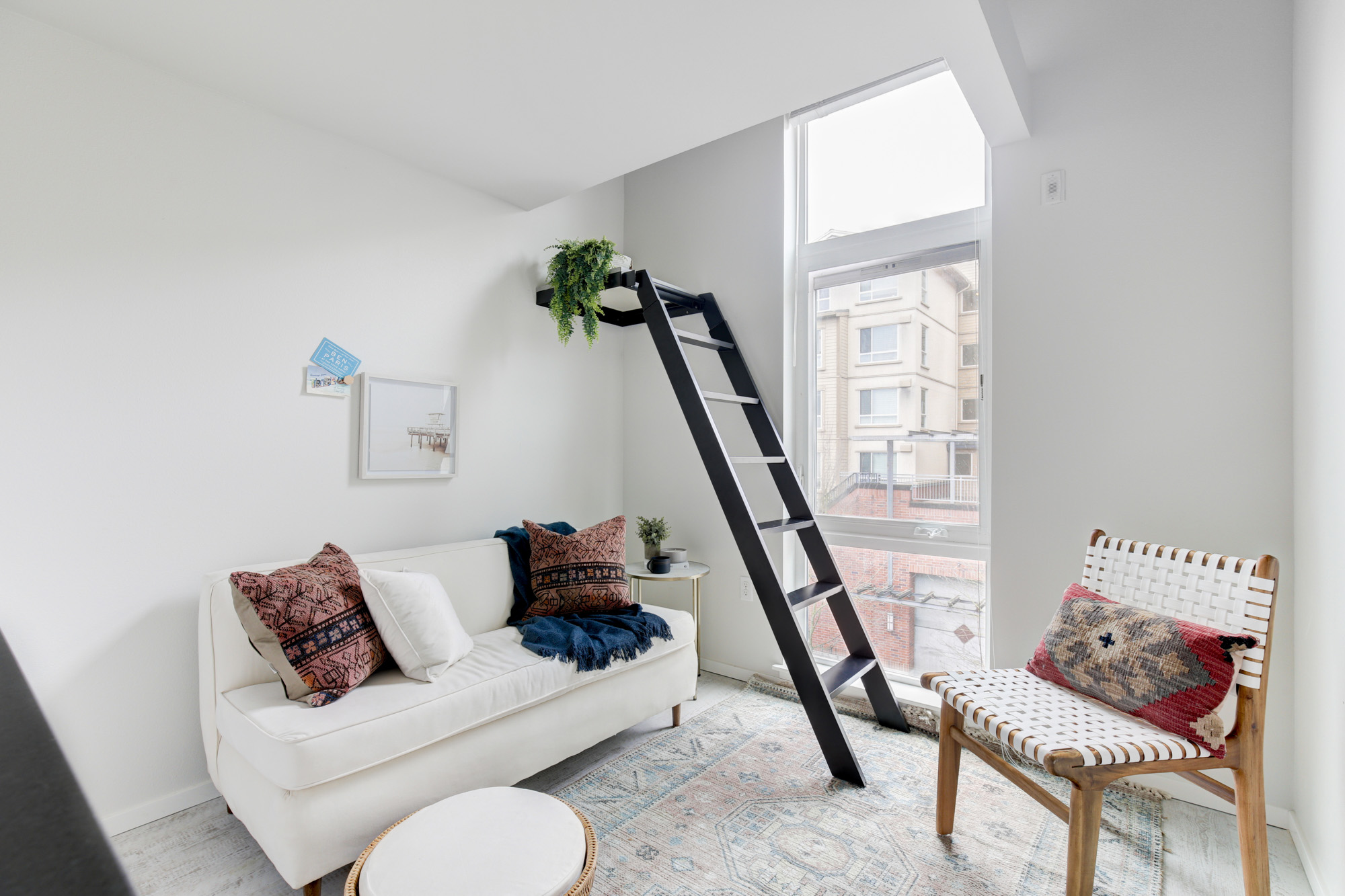 ۱۴ ایده هوشمندانه برای استفاده از اتاق کم جا و کوچک شما در خانه