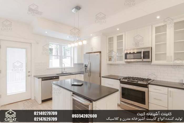 طراحی کابینت آشپزخانه با در نظر گرفتن ارتفاع سقف