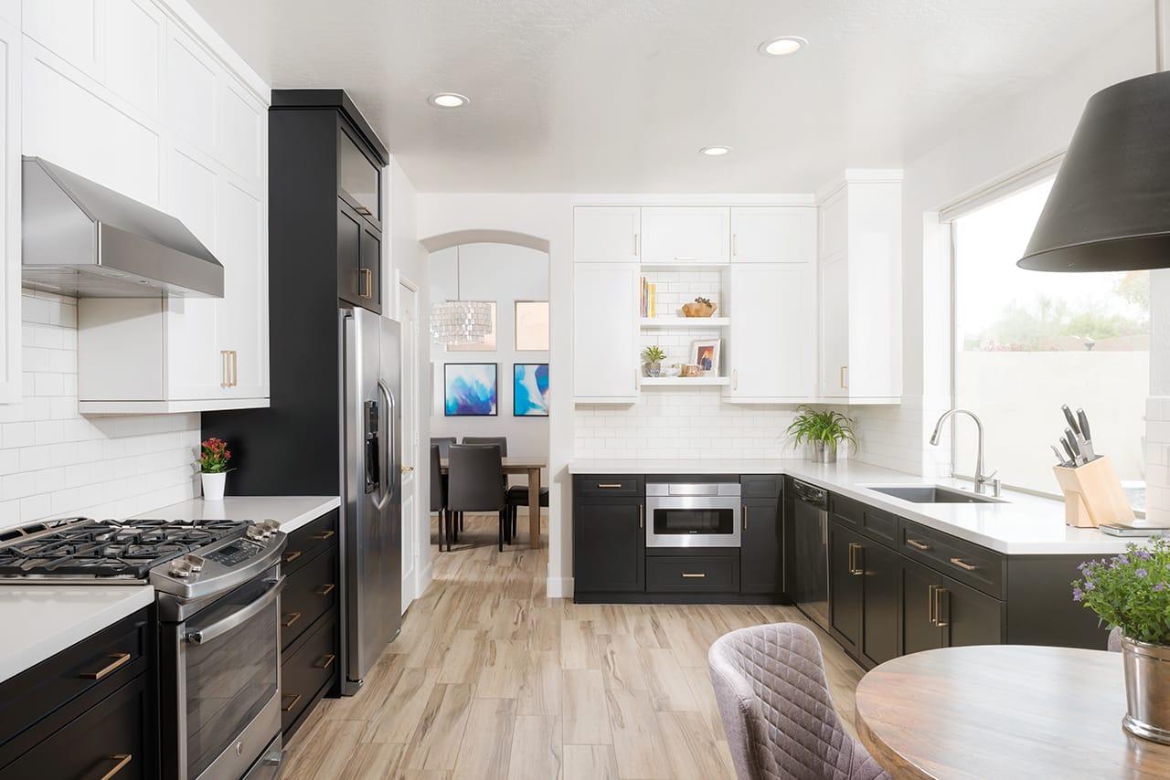 ۱۰ ایده مخصوص برای کابینت آشپزخانه نقاشی شده!