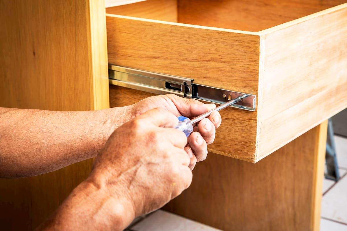 بازسازی کابینت؛ چگونه می توان کابینت های آشپزخانه خود را در ۶ مرحله دوباره اصلاح کرد؟