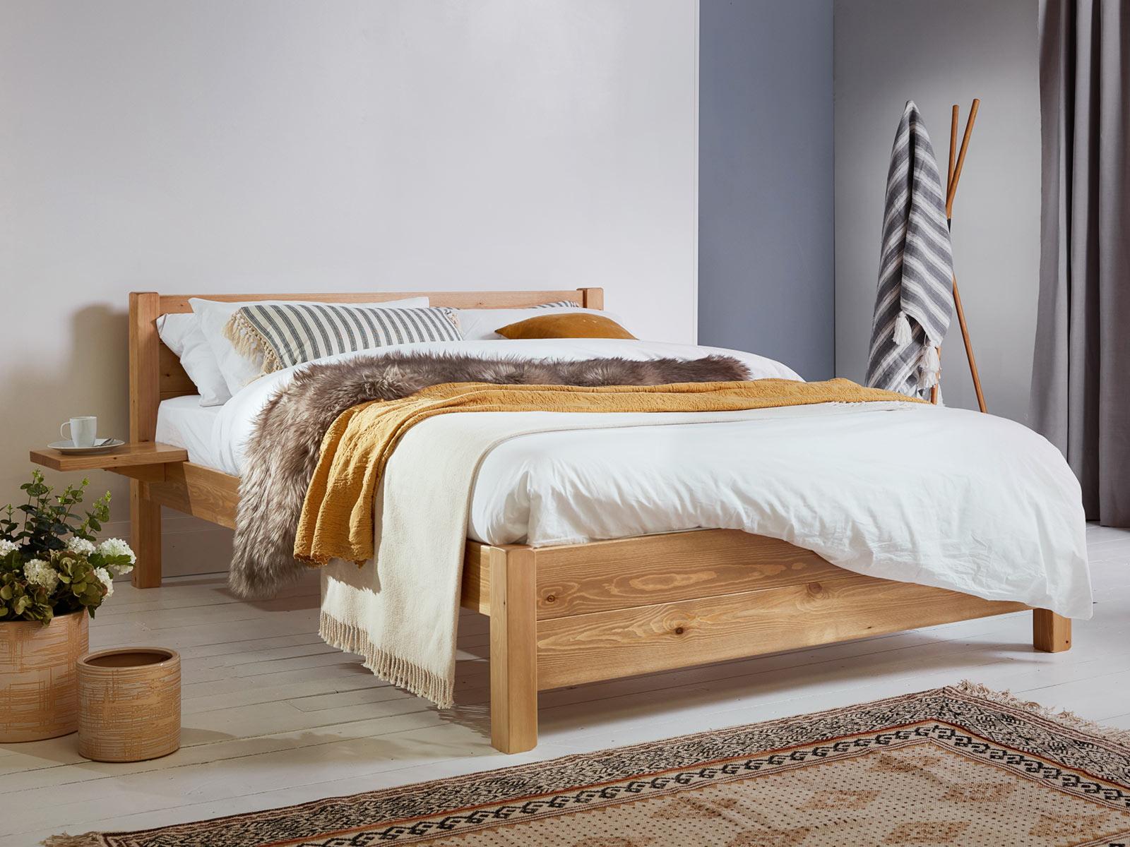 چگونه می توان تخت چوبی خود را شیک جلوه داد؟!