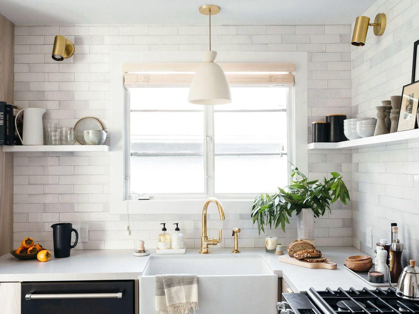 ۶ نکته که برای تزئین پیشخوان آشپزخانه نیاز دارید