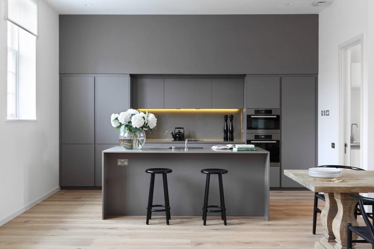 دکوراسیون آشپزخانه رنگ خاستری ۳