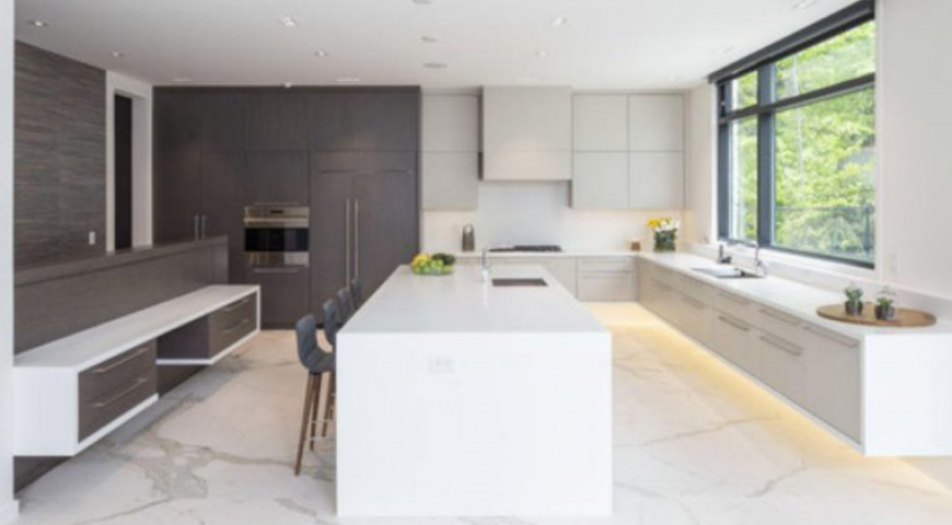 آشپزخانه معاصر با رنگ گرم