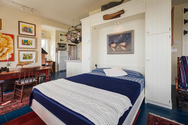 تخت کم جا در دکوراسیون آبی پررنگ